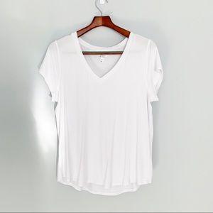 Market & Spruce V-neck Tshirt